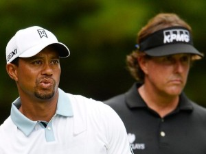 Tiger Woods of the US (L) and Phil Mickelson of the US (R) watch Woods' tee shot on the eleventh hole during the second round of the Deutsche Bank Championship at the Tournament Players Club Boston in Norton, Massachusetts, USA, 31 August 2013. /CJ GUNTHER, Image: 237557230, License: Rights-managed, Restrictions: , Model Release: no, Credit line: Profimedia, TEMP EPA
