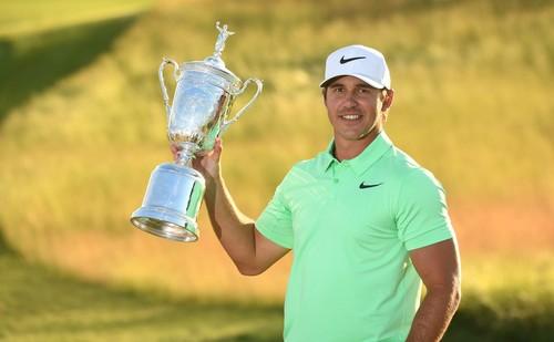 Brooks Koepka vyhrál první major. Na Erin Hills získal titul z US Open (Foto: Prfimedia)