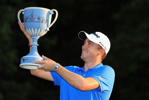 Justin Thomas slaví pátý titul v letošní sezóně (Foto: Profimedia)