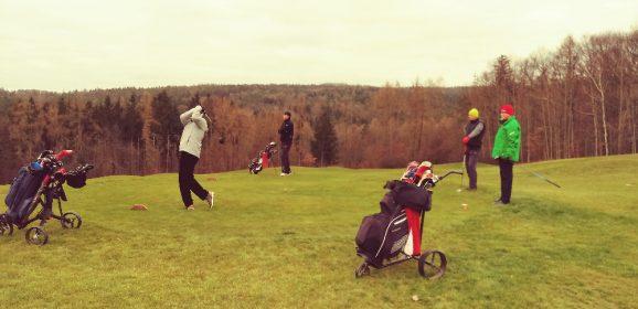 V Berouně hrálo turnaj neuvěřitelných 83 golfistů
